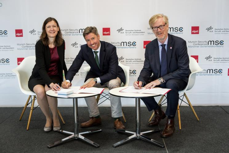 SIPRI and Munich Security Conference signing cooperation agreement at 2018 Stockholm Security Conference