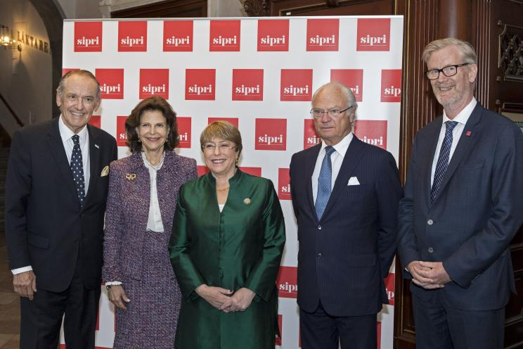 Ambassador Jan Eliasson, Chair of the SIPRI Governing Board, Her Majesty Queen Silvia, HE Michelle Bachelet, United Nations High Commissioner for Human Rights, His Majesty Carl XVI Gustaf and Dan Smith, Director of SIPRI