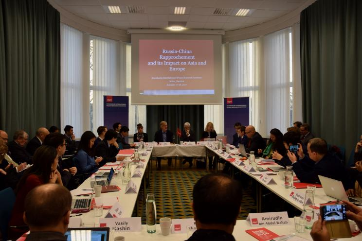 SIPRI Director Dan Smith opens the workshop