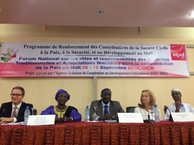 16–18 September 2014, Bamako, Mali: (SIPRI–CONASCIPAL) Opening cerenomy for the National Forum of Traditional Authorities and Women's Associations in the Consolidation for Peace in Mali.