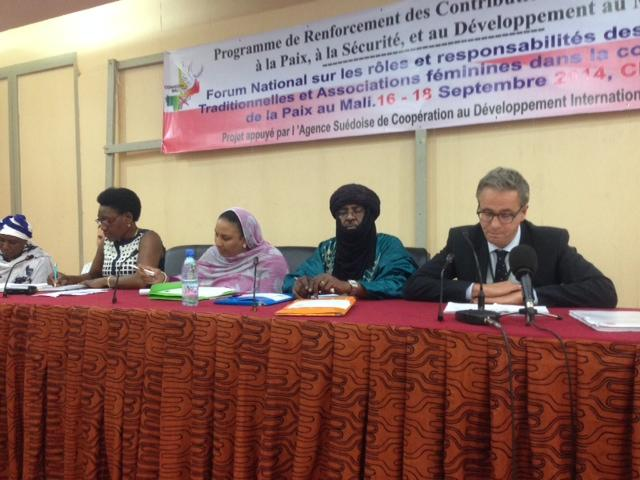 16–18 September 2014, Bamako, Mali: (SIPRI–CONASCIPAL) Press conference for the National Forum of Traditional Authorities and Women's Associations in the Consolidation for Peace in Mali.