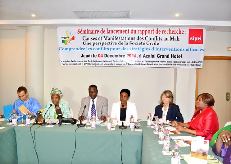4 December 2014, Bamako, Mali: (SIPRI–CONASCIPAL) Launch of field research report 'Causes and Manifestations of Conflicts in Mali: A civil society perspective'.