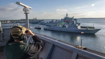 Reducing the risk of naval incidents