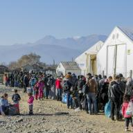 Refugees waiting to register in the refugee camp of Vinojug in Macedonia, 2015. Photo: Chat des Balkans / Shutterstock.com